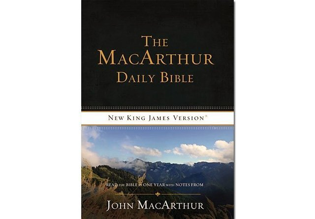 The MacArthur Daily Bible