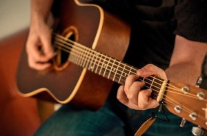 3 Guitar Exercises for Finger Independence