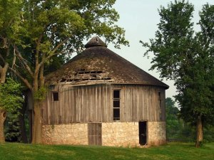 Why Did People Build Round Barns?